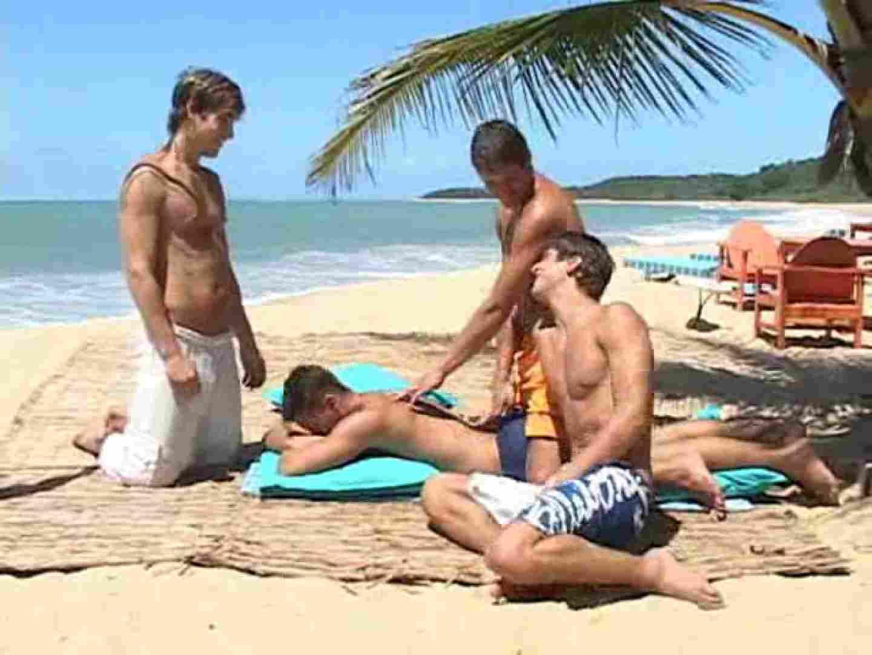 キレイな海岸沿いのビーチで発情してしまった若者達。 白人   ボーイズカップル  53pic 13
