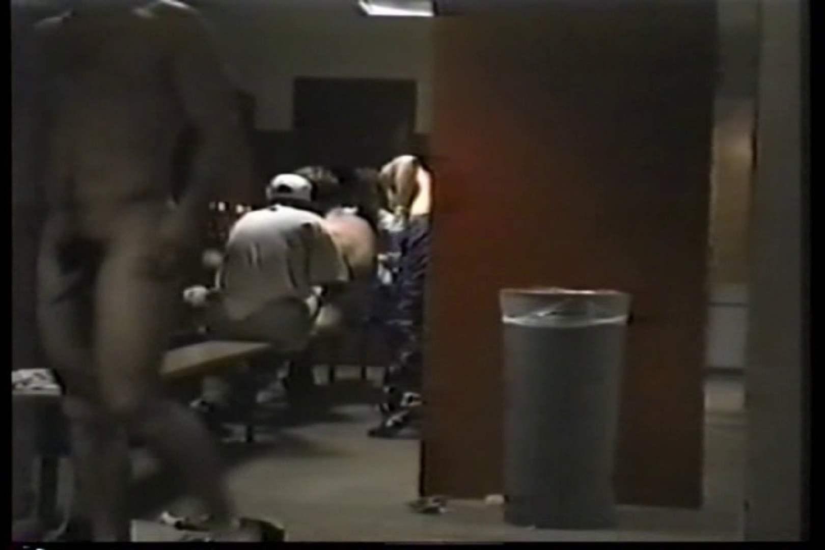 洋人さんの脱衣所を覗いてみました。VOL.3 男天国 | 0  109pic 89